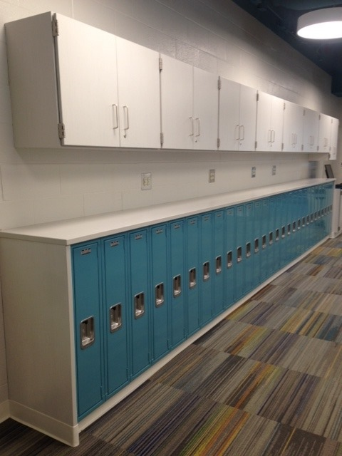 lyon-collaborative-center-blue-lockers-installed