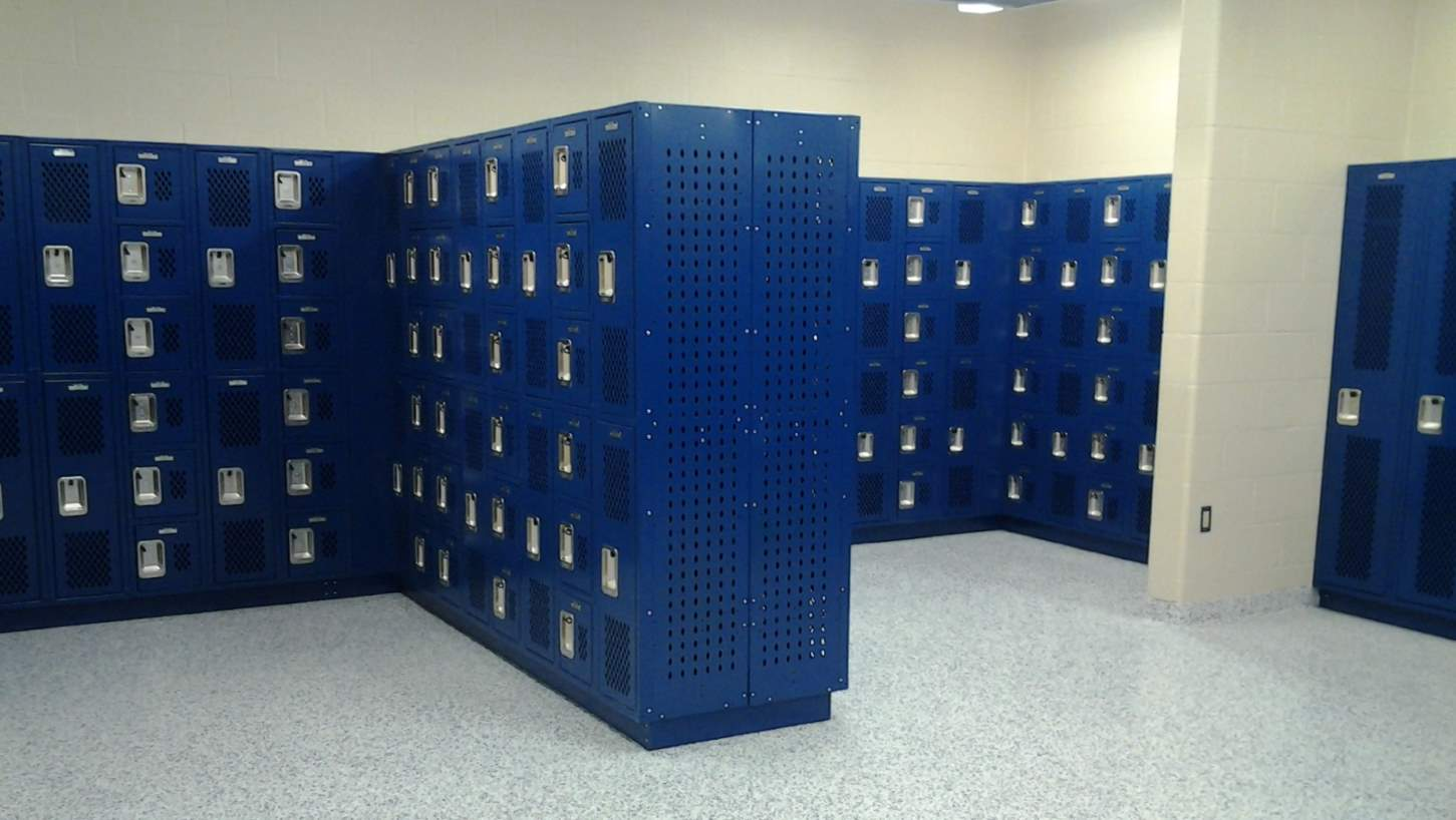 lyon-mixed-bank-ventilated-lockers-installed
